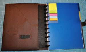 CARIS Nähwerkstatt - Blockhülle A4 - innen, ,mehrer Einsteckfächer und Stifthalter