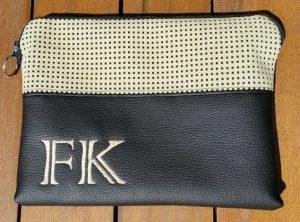 CARIS Nähwerkstatt, Tablet-Tasche mit Initialen