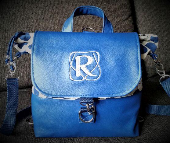 CARIS Naehwerkstatt, Handtaschenrucksack blau Monogramm
