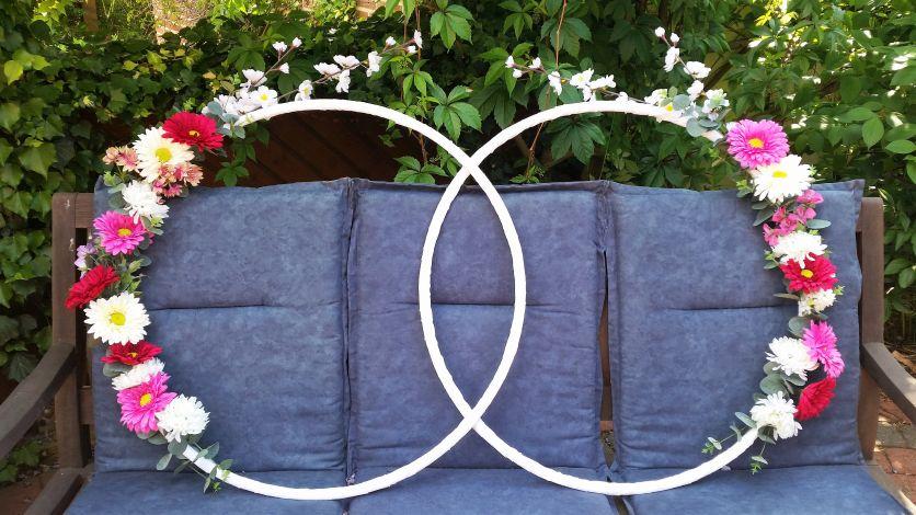 CARIS Nähwerkstatt - Hochzeit - Blütenringe für Fotobox