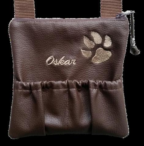CARIS Nähwerkstatt - Tasche für den Hundesparziergang mit Stickerei