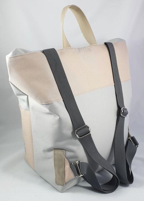 CARIS Taschen - personalisierter Kurierrucksack mit Initialen